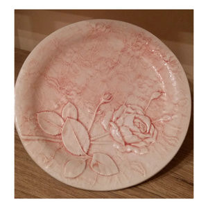 Vintage italy majolica pink lace rose plate 8in